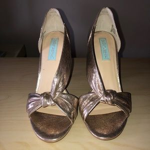 Betsy Johnson Gold Metallic Open Toe Heels New